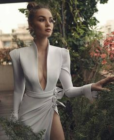 Origami of love: Inspired by Origami, these Matan Shaked gowns are ethereal offering - Fashion dresses - Girls Formal Dresses, Elegant Dresses, Beautiful Dresses, Sexy Dresses, Casual Dresses, Pretty Dresses, Short Dresses, Prom Dresses, Summer Dresses