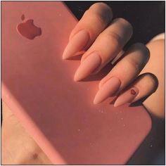 Semi-permanent varnish, false nails, patches: which manicure to choose? - My Nails Aycrlic Nails, Matte Nails, Fun Nails, Hair And Nails, Coffin Nails, Glitter Nails, Dope Nails, Best Acrylic Nails, Acrylic Nail Designs