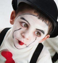 clown by MariAdagioChroma