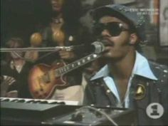 Track 10 Stevie Wonder - 'Don't You Worry 'Bout A Thing' (Live)