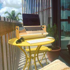 Plastic Organizer, Flexible Working, Outdoor Furniture Sets, Outdoor Decor, Office Ideas, Home Office, Activities, Interior Design, Healthy
