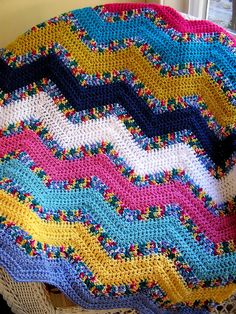 USING MULTICOLORED YARNS IN BETWEEN SOLIDS IS A GOOD IDEA :)