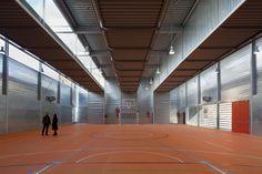 Sports Hall at C.P. Pablo Iglesias / Planta 33 Arquitectura
