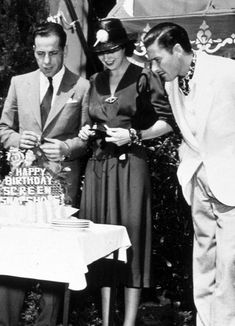Humphrey Bogart, Kay Francis, Errol Flynn