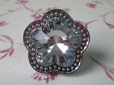 Sparkly Flower Glass Knob / Shabby Chic Dresser Drawer Knobs Pulls Handles Modern Clear Crystal / Bathroom Kitchen Cabinet Knobs Pull Handle