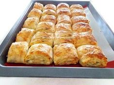 su böreği lezzetinde muhteşem bir börek oluyor.tarifim çok eskidir ve uzun yıllar yaparım bu böreği.her yiyen çok beğenir.izleyi...