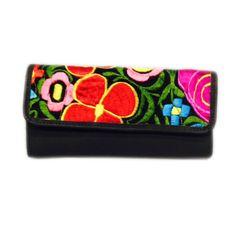 Billetera cuero negro bordado de San Antonio. www.mona.gt