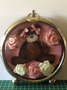 Sweet Tear Bears: Tik Tok Sweet Tear Bear in een klok.