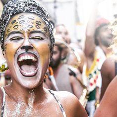 dança amigos da onça oncete Iara Cassano carnaval de rua rio de janeiro fantasias bloco de rua