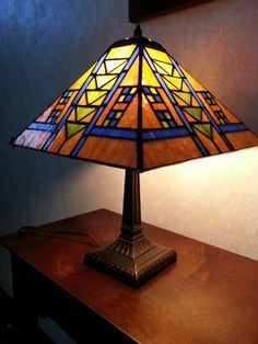 Stained glass prairie style lamp