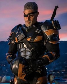 """Actor Joe Manganiello dropped a juicy """"Justice League"""" leftover this Thanksgiving weekend — a first-look image of himself as DC Comics villain Deathstroke. Deathstroke Costume, Deathstroke The Terminator, Deathstroke Batman, Nightwing, Gary Oldman, Manu Bennett, Joe Manganiello Deathstroke, Dc Comics, Deadshot"""