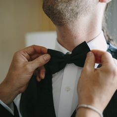 Bow Tie. #bowtie #bowties #suit #groomspiration #agroomsattire #handsomegroom #nycweddings #ollistudio #nycweddingphotography #awardwinning #photojournalistic