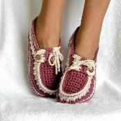 Slippers Crochet Pattern Adult Button Loafers in 3 Sizes PDF 16 Crochet Boots, Crochet Slippers, Crochet Clothes, Crochet Baby, Knit Crochet, Free Crochet, Crochet Cardigan, Loafer Slippers, Slipper Socks