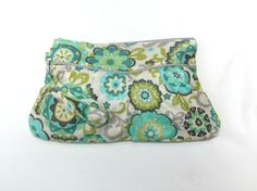 Wristlet Clutch Bag Wristlet Bag Zipper Pouch by MintChocolat Clutch Purse, Coin Purse, Teal Flowers, Women Bags, Wristlet Wallet, Zipper Pouch, Cosmetic Bag, Fabric Design, Gifts For Her