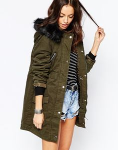 Buy New Look Padded Parka With Faux Fur Hood at ASOS. With free delivery and return options (Ts&Cs apply), online shopping has never been so easy. Get the latest trends with ASOS now. Fall Jackets, Outerwear Jackets, Fall Winter Outfits, Autumn Winter Fashion, Fall Fashion, New Look Leather Jacket, Green Parka Coat, Coats For Women, Jackets For Women