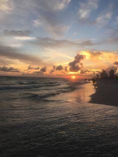 Sunday evening sunset at Panama City Beach... photo from Julie Holsonback