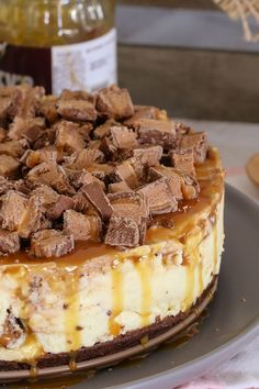The ultimate collection of No-Bake Cheesecake Recipes. including chocolate Baileys cheesecake, rocky road cheesecake, Mars Bar cheesecake, blueberry cheesecake and more! # cheesecake recipes no bake The BEST No-Bake Cheesecake Recipes Best No Bake Cheesecake, Mini Cheesecake Bites, Baileys Cheesecake, Chocolate Cheesecake Recipes, Baked Cheesecake Recipe, Thermomix Cheesecake, Desserts Caramel, Snickers Cheesecake, Mini Cheesecakes