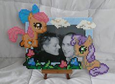 cadre photo en perles a repasser duo petits poneys : Décorations murales par…