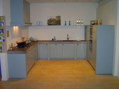 Bruynzeel giethoorn keuken in het antiek groen for the kitchen
