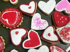 Antójate con deliciosas galletas preparadas con amor. Sugar, Cookies, Desserts, Ideas, Amor, Friendship, Easy Recipes, Crack Crackers, Tailgate Desserts