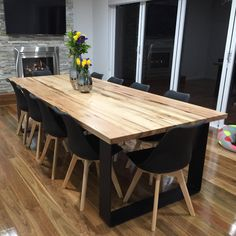 This table is the CREAM OF THE CROP at Lumber Furniture. An Australian hardwood oak dining table top with powder coated metal loop legs. Future Home Timber Dining Table, Diy Dining Table, Dining Table Design, Black Dining Tables, Dining Set, Daining Table, Oak Table Top, Custom Dining Tables, Contemporary Dining Table