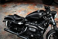Black Sportster- I'd get rid of the white walls and throw some blue highlights in somewhere Buell Motorcycles, Sportster Motorcycle, Sportster Iron, Custom Sportster, Motorcycle Gear, Vintage Bikes, Vintage Motorcycles, Chopper, Motos Harley Davidson
