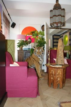Quieres una mascota como esta en tu salón? En Masaï Gallery España encontrara todo tipo de animales embalsamados y de poliéster para la decoración de su casa. #masaigallery_es  www.masaigallery.es