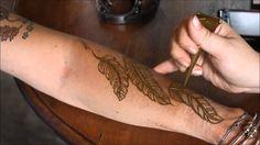 Elegant Feather Henna Design - Step By Step How To Henna Feather, Leg Henna, Henna Art, Mehendi, Henna Designs, Tatting, Feathers, Elegant, Hennas