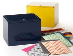 Love these lacquered boxes with correspondence cards. Who wouldn't want to write a little thank-you note. :)