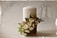 use twine and white flowers for card