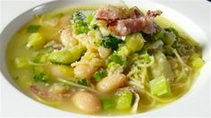 Anna Gare cooks up this healthy soup for AFL legend David Wirrpanda ...