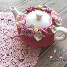 Crochet Shawl Diagram, Crochet Motif, Crochet Flowers, Tea Cosy Knitting Pattern, Knitting Patterns, Crochet Patterns, Crochet Kitchen, Crochet Home, Crochet Cross