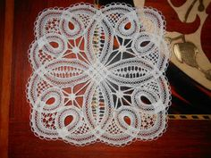 luxeuil12_r Needle Lace, Bobbin Lace, Hobbies And Crafts, Diy And Crafts, Drawn Thread, Point Lace, Antique Lace, String Art, Hand Embroidery