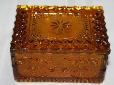 Vintage Indiana Tiara Amber Gold Sandwich Glass Cigarette Trinket Jewelry Box Amber Room, Amber Jewelry, Jewelry Box, Ambre, Indiana Glass, Vintage Dishes, Carnival Glass, Amber Glass, Antique Glass
