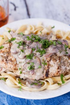 Save the recipe! Carrabbas Chicken Marsala Recipe, Marsala Sauce, Italian Grill, Stuffed Mushrooms, Stuffed Peppers, Chicken Spices, Best Dishes, Recipe Of The Day, Entrees