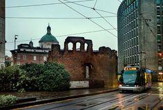 Ed eccoci al cospetto di ciò che rimane di San Giovanni in Conca Foto di Franco Brandazzi #milanodavedere Milano da Vedere
