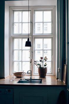 10 Gracious ideas: Minimalist Home Inspiration Closet minimalist decor living room deco.Minimalist Home Inspiration Closet minimalist living room design floating shelves.Minimalist Home Style House Tours. Modern Minimalist Bedroom, Minimalist Apartment, Minimalist House Design, Minimalist Home Interior, Minimalist Furniture, Minimalist Kitchen, Minimalist Living, Minimalist Decor, Kitchen Ikea