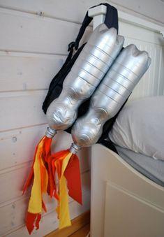 Raketen-Rucksack (Kinderkostüm zum Selbermachen)