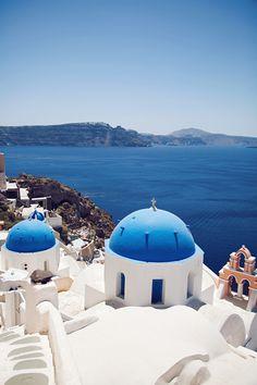 Beautiful picture of Santorini, Grecce taken by KARLA'S CLOSET