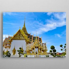 The Grand Palace Phra Borom Maha Ratcha Wang, is a complex of buildings at the heart of Bangkok, Thailand.