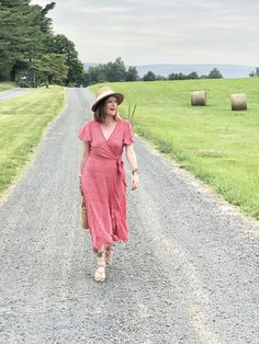 French-Girl Style Summer Essential: The Floral Wrap Dress - Affordable French Chic Fashion Blog French Chic Fashion, French Girl Style, Girl Fashion, Fashion Outfits, Affordable Dresses, Wrap Dress Floral, Effortless Chic, Summer Essentials, Style Summer