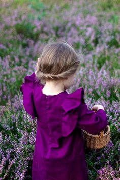 ~In the lavender field~ Lavender Cottage, Lavender Blue, Lavender Fields, Purple Love, All Things Purple, Shades Of Purple, Little Girl Fashion, Kids Fashion, Spring Fashion