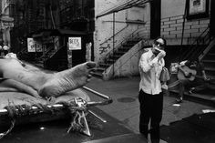 Richard Kalvar - 4th street in New York City, 1970