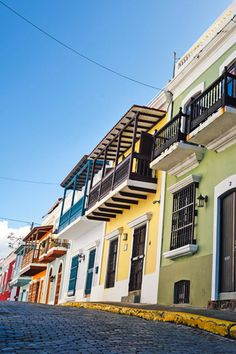 Row of houses in San Juan, PR Home Shelter, Us Travel, Puerto Rico, The Row, Houses, Mansions, House Styles, Design, San Juan