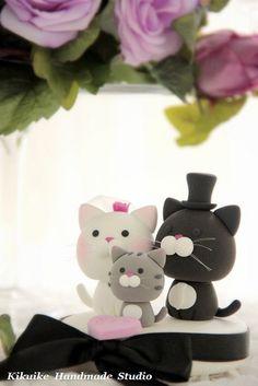 Wedding Cake Topper-love cats by charles fukuyama, via Flickr