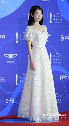 [Photos] 55th Baeksang Arts Awards 2019 Red Carpet: Actresses - IU