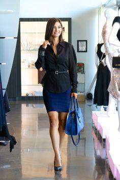 Classic // Navy Dress // Timeless // One Outfit Multiple Ways // Karolina Zmarlak // Herve Leger Sarai in Pacific Blue // Blue Handbag // LAGGO // LIBERTÉ