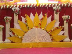 Источник интернет Wedding Hall Decorations, Marriage Decoration, Wedding Ceremony Backdrop, Backdrop Decorations, Diwali Decorations, Flower Decorations, Backdrops, Ganpati Decoration Theme, Ganapati Decoration
