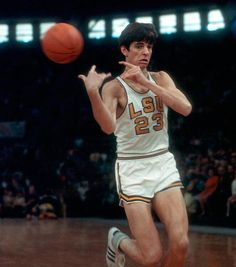 Pistol Pete - don't know how to feel about him. One of the great basketball players, but to me not a team player and a ball hog. Basketball Legends, Sports Basketball, College Basketball, Basketball Players, Basketball History, Basketball Stuff, Ncaa College, Basket Nba, The Sporting Life