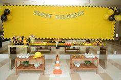 Ideia de tema e decoração para festa infantil de menino, aniversário de 3 anos, festa tema trator